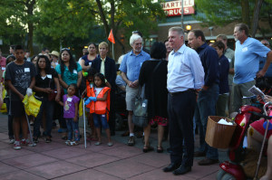Mayor Ed Murray and community members at the Lake City Mini-Park before the walk. (LCL photo)